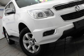 HOLDEN COLORADO-7